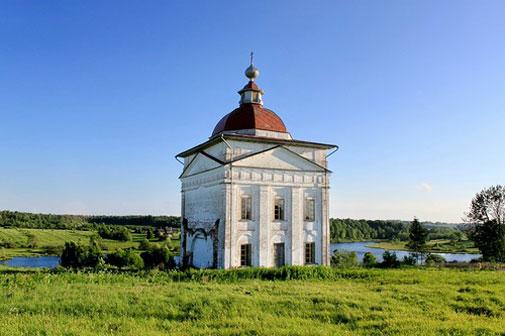 Храм св. Николая в Тимонихе, восстановленный В.Беловым