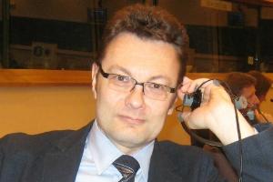 Сергей Петросов